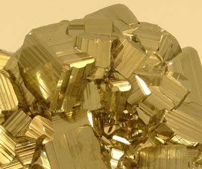 železný pyrit.jpg